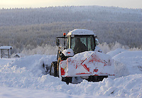 Tractor moving snow, Yllas, Lapland, Finland....Copyright John Eveson 01995 61280.j.r.eveson@btinternet.com