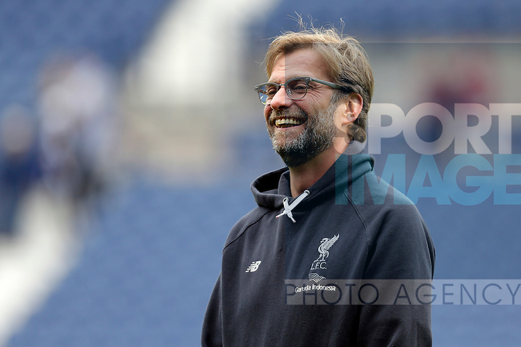 Liverpool manager Jurgen Klopp looks on before the Barclays Premier League match at The Hawthorns.  Photo credit should read: Malcolm Couzens/Sportimage