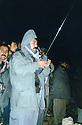 Iraq 1997 .Kosrat Rasoul in Bina Baii, mountain near Degala during the fighting between the 2 parties KDP and PUK  .Irak 1997 .Kosrat Rasoul avec sa radio dans les montagnes pres de Degala, la nuit, a l'epoque des combats entre le PDK et UPK
