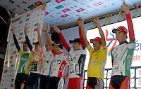 COLOMBIA. 16-08-2014. Podium de líderes después de la contrarreloj individual nocturna de 17.5 Km en la penúltima etapa de la Vuelta a Colombia 2014 en bicicleta que se cumple entre el 6 y el 17 de agosto de 2014. / Leaders podium after of the night individual time trial of 17.5 Km in the penultimate stage of the Tour of Colombia 2014 in bike holds between 6 and 17 of August 2014. Photo:  VizzorImage/ José Miguel Palencia / Str