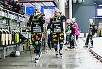 V&auml;ster&aring;s 2015-01-11 Bandy Elitserien V&auml;ster&aring;s SK  - Broberg S&ouml;derhamn :  <br /> Broberg S&ouml;derhamns Ilari Moisala och Rolf Larsson deppar under matchen mellan V&auml;ster&aring;s SK  och Broberg S&ouml;derhamn <br /> (Foto: Kenta J&ouml;nsson) Nyckelord:  Bandy Elitserien ABB Arena Syd V&auml;ster&aring;s SK VSK Broberg S&ouml;derhamn depp besviken besvikelse sorg ledsen deppig nedst&auml;md uppgiven sad disappointment disappointed dejected