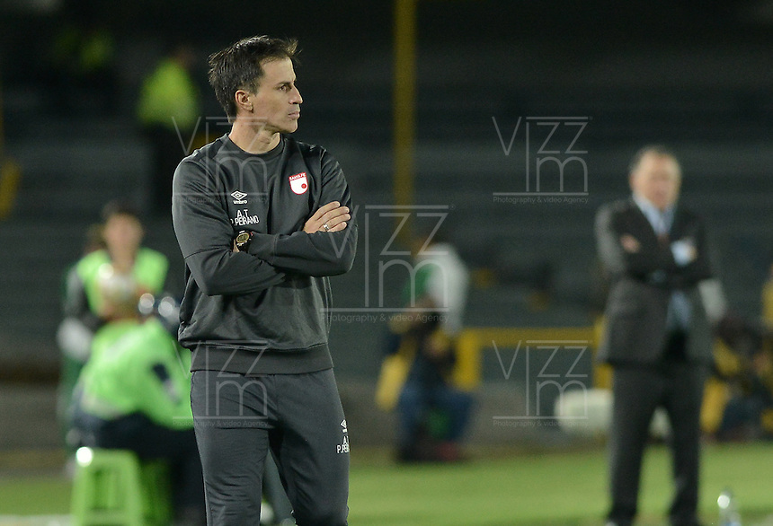 BOGOTÁ -COLOMBIA, 07-02-2016. El asistente técnico de Santa Fe durante partido entre Independiente Santa Fe y Millonarios por la fecha 3 de la Liga Aguila I 2016 en el estadio Nemesio Camacho El Campin de la ciudad de Bogota. / Coach assistant of Santa Fe during a match between Independiente Santa Fe and Millonarios for the date 3 of the Liga Aguila I 2016 played at the Nemesio Camacho El Campin Stadium in Bogota city. Photo: VizzorImage/ Gabriel Aponte / Staff
