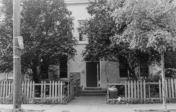 1603 A St SE, 'Cracic House', Aug. 10, 1995. (Photo by Maureen Keating/CQ Roll Call via Getty Images)
