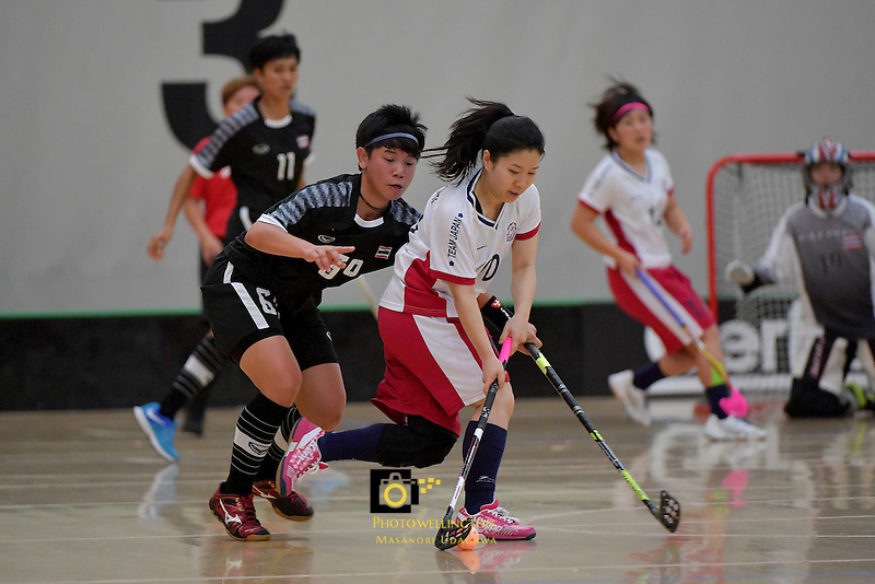 Japan's Yuki Takahashi and Thailand's Thanaporn Tongkham in action during the World Floorball Championships 2017 Qualification for Asia Oceania Region - Japan v Thailand at ASB Sports Centre , Wellington, New Zealand on Saturday 4 February 2017.<br /> Photo by Masanori Udagawa<br /> www.photowellington.photoshelter.com.