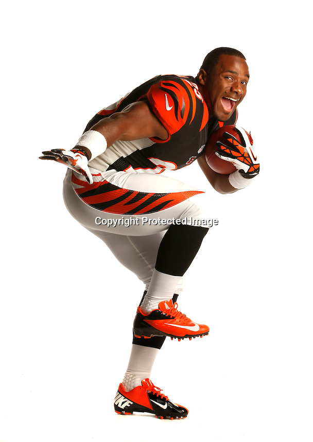 PASADENA, CA - MAY 18: Giovani Bernard #25 of the Cincinnati Bengals poses for a portrait during the NFL Rookie Shoot on May 18, 2013 at the Rose Bowl in Pasadena, California (Photo by Chris Covatta)