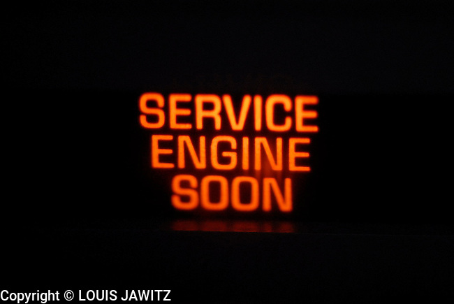 CAR , GAGES,  WARNING, CHECK ,ENGINE, AUTO, DANGER SERVICE ENGINE  SOON
