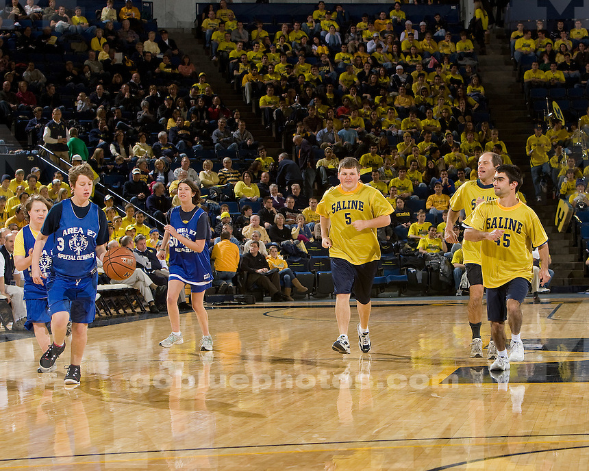University of Michigan basketball (men) 67-53 win over University of Arkansas, Pin Bluff, at Crisler Arena on 12/5/09.