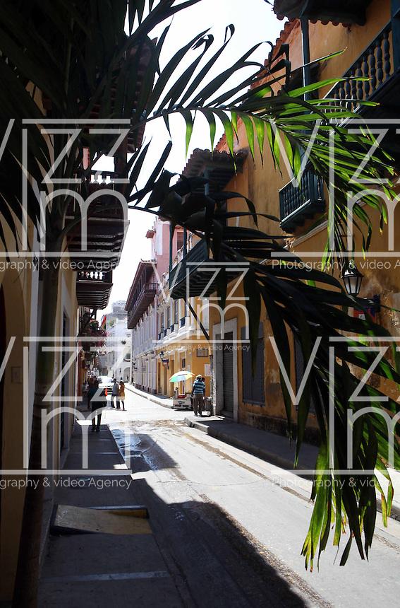 CARTAGENA-COLOMBIA-09-01-2013. Arquitectura Colonial y calle en la Ciudad Amurallada de Cartagena de Indias, Colombia.  Colonial architecture and street in the walled city of Cartagena de Indias, Colombia. (Photo: VizzorImage)...