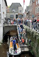 Nederland  Den Bosch  2016 . Rondvaart over de Binnendieze.   Foto  Berlinda van Dam / Hollandse Hoogte