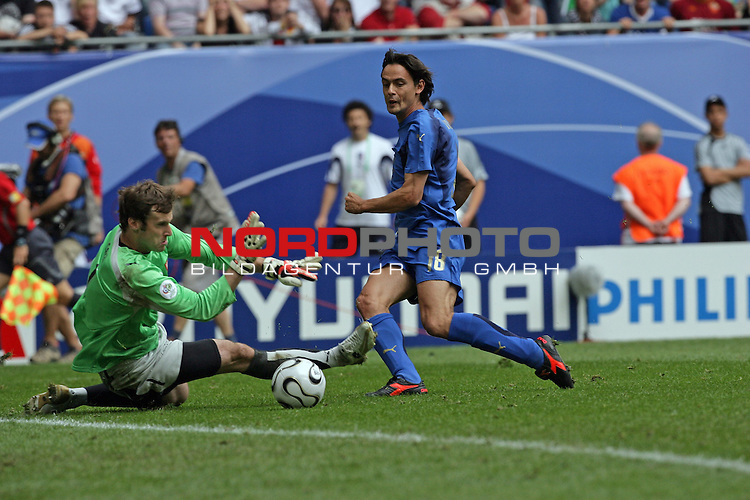 FIFA WM 2006 -  Gruppe E Vorrunde ( Group E )<br /> Play   #41 (22-Jun) - Tschechien - Italien<br /> Filippo Inzaghi mit der grossen Chance zum 0:2 vorbei an Keeper Petr Cech, aber der Ball ging vorbei<br /> <br /> Foto &copy; nordphoto