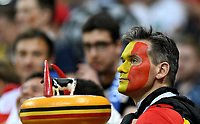 KAZAN - RUSIA, 06-07-2018: Hinchas de Bélgica animan a su equipo durante partido de cuartos de final entre Brasil y Bélgica por la Copa Mundial de la FIFA Rusia 2018 jugado en el estadio Kazan Arena en Kazán, Rusia. / Fans of Belgium cheer for their team during the match between Brazil and Belgium of quarter final for the FIFA World Cup Russia 2018 played at Kazan Arena stadium in Kazan, Russia. Photo: VizzorImage / Julian Medina / Cont
