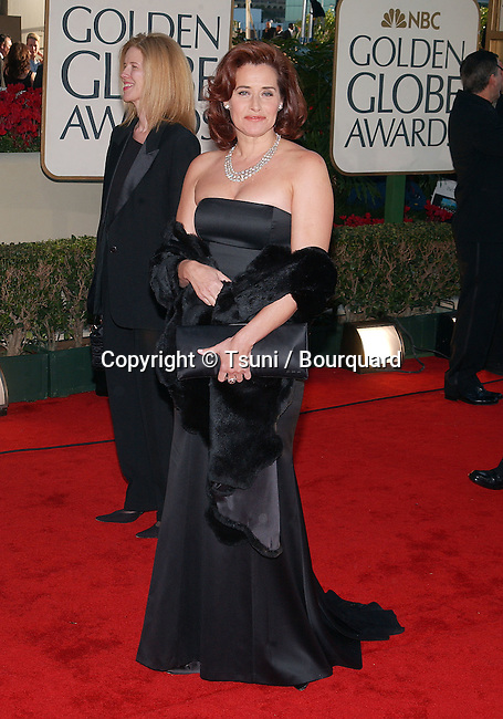 Lorraine Bracco arrives at the 59th Golden Globes Awards at the Beverly Hilton in Los Angeles. January 20, 2002. BraccoLorraine50.JPG