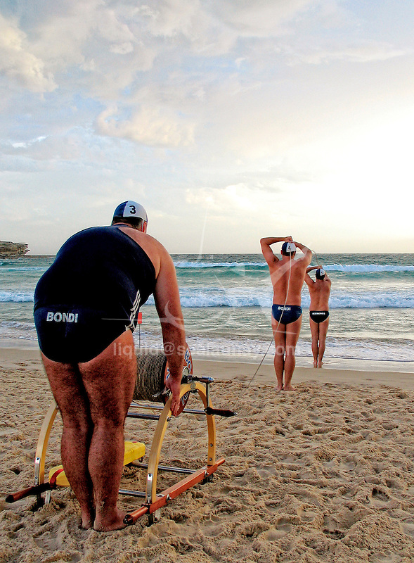 Surf life saving team in a training session at Bondi Beach in preparation of a surf carnival.Surf life saving team in a training session at Bondi Beach in preparation of a surf carnival.