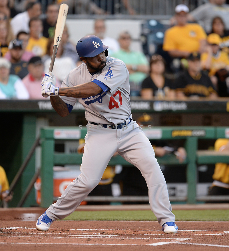 Los Angeles Dodgers Howie Kendrick (47) during a game against the Pittsburgh Pirates on June 26, 2016 at PNC Park in Pittsburgh, PA. The Dodgers beat the Pirates 4-3.