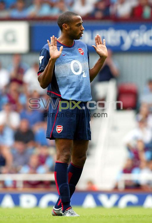 Pix: Rob Matthews/SWpix.com.  Soccer. FA Barclaycard Premiership. West Ham v Arsenal. 24/08/2002...COPYRIGHT PICTURE>>SIMON WILKINSON>>01943 436649>>..Arsenal's Thiery Henry.