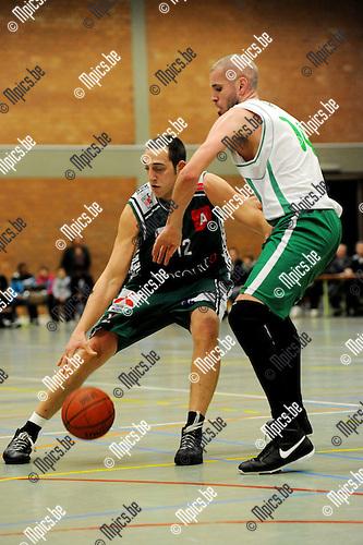 2010-10-30 / Basketbal / seizoen 2010-2011 / Gembo - Zolder / Josten (Gembo) vindt Kris Cuppens op zijn weg ..Foto: Mpics