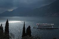 Italy, Veneto, Lake Garda, Brenzone sul Garda: dramatic lighting atmosphere | Italien, Venetien, Gardasee, Brenzone sul Garda: Gewitterstimmung ueber dem Gardasee