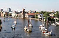 Nederland Zaandam 2015 08 22 . Sail Amsterdam. Varend erfgoed vaart van Amsterdam naar Zaanse Schans. Verkade fabriek aan de Zaan