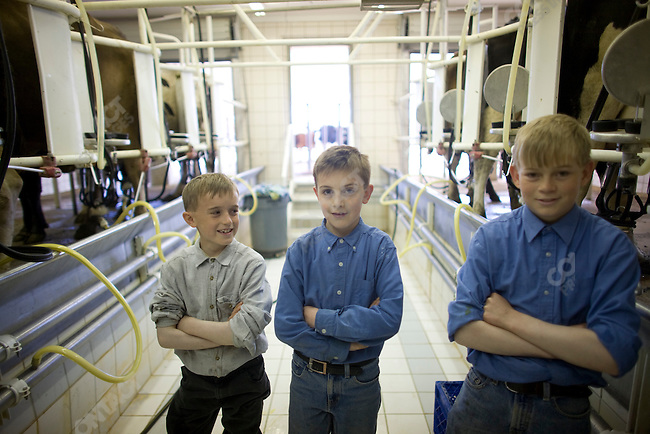 """Fundamentalist Mormon group F.L.D.S., left to right: David Jeffs, Parley Jeffs, Daniel Lindsay, in the dairy """"Yearning for Zion"""" compound in Eldorado, Texas, USA, February 11, 2009"""
