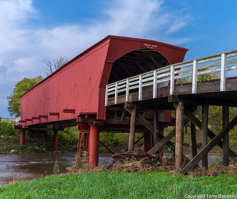 IA; Iowa; US; USA; america; american; americana; Rosemanr covered bridge; historic; rustic; rural; country; Bridges of Madison County; Winterset