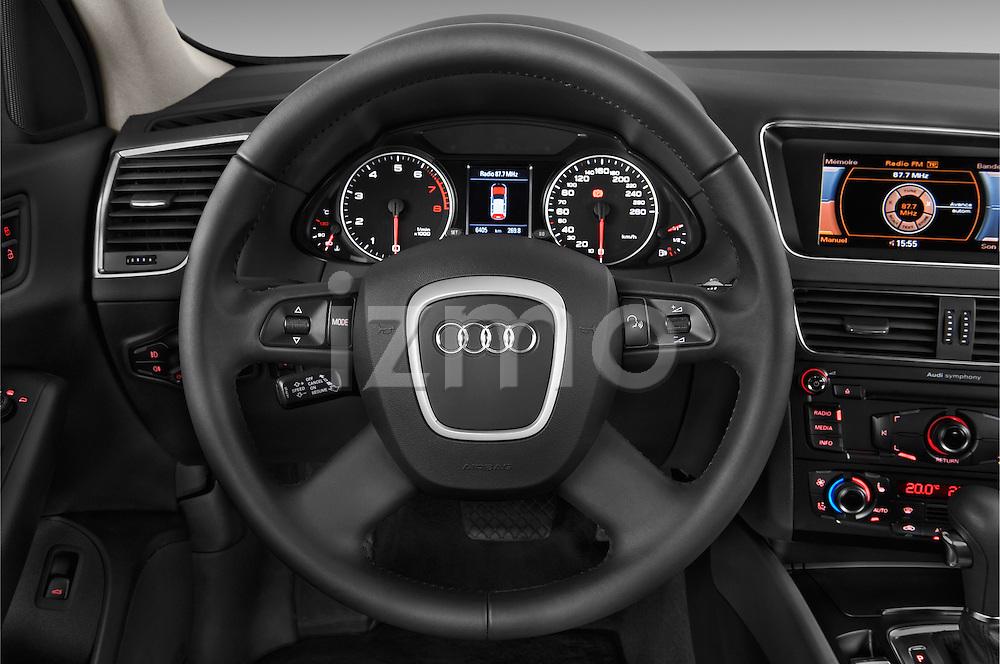 Steering wheel view of a 2009 - 2012 Audi Q5 Ambiente 5 Door Suv 4WD