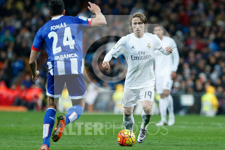 Real Madrid´s Luka Modric during 2015/16 La Liga match between Real Madrid and Deportivo de la Coruna at Santiago Bernabeu stadium in Madrid, Spain. January 09, 2015. (ALTERPHOTOS/Victor Blanco)