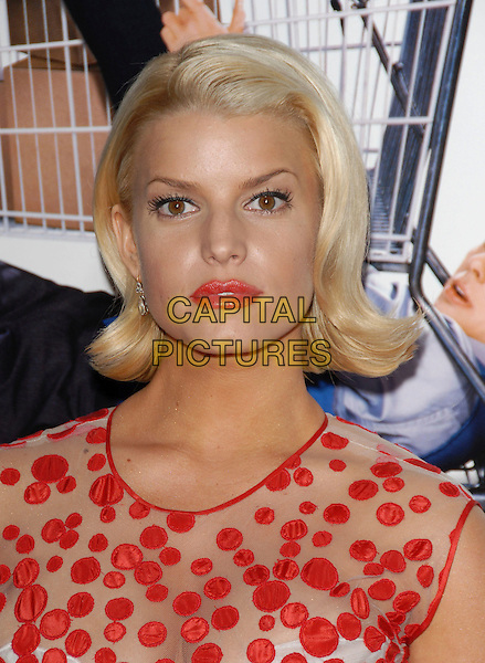 "JESSICA SIMPSON.The Lions Gate Premiere of ""Employee of the Month"" held at The Grauman's Chinese Theatre in Hollywood, California, USA..September 19th, 2006.Ref: DVS.headshot portrait.www.capitalpictures.com.sales@capitalpictures.com.©Debbie VanStory/Capital Pictures"