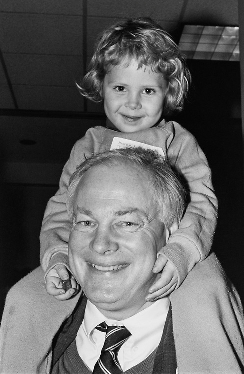 Daughter Jenny (3 and half years old) holding gummy bears in her right hand along with father Rep. Jim Leach, R-Iowa, at Ranger Rick and Scarlett Fox party, on Jan. 28, 1981. (Photo by Laura Patterson/CQ Roll Call via Getty Images)