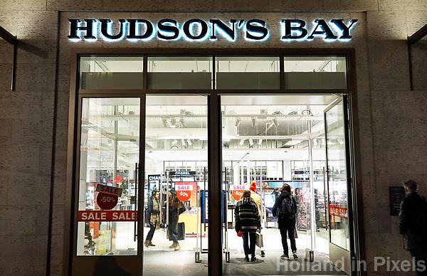 Nederland - Amsterdam - Januari 2019.  Hudson's Bay warenhuis aan het Rokin. Foto Berlinda van Dam / Hollandse Hoogte