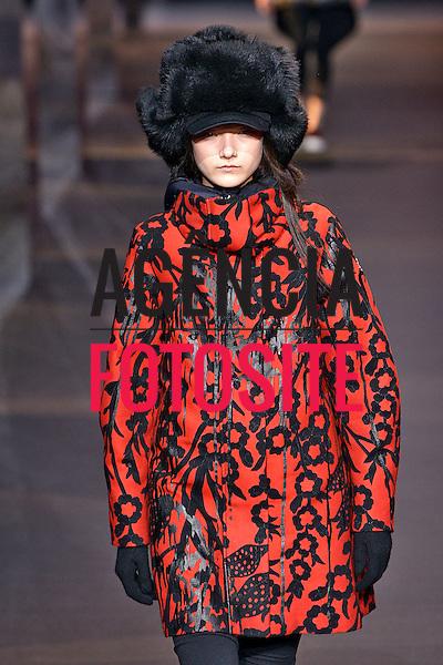Paris, Franca – 02/2014 - Desfile de Moncler Gamme Rouge durante a Semana de moda de Paris - Inverno 2014.<br /> Foto: FOTOSITE