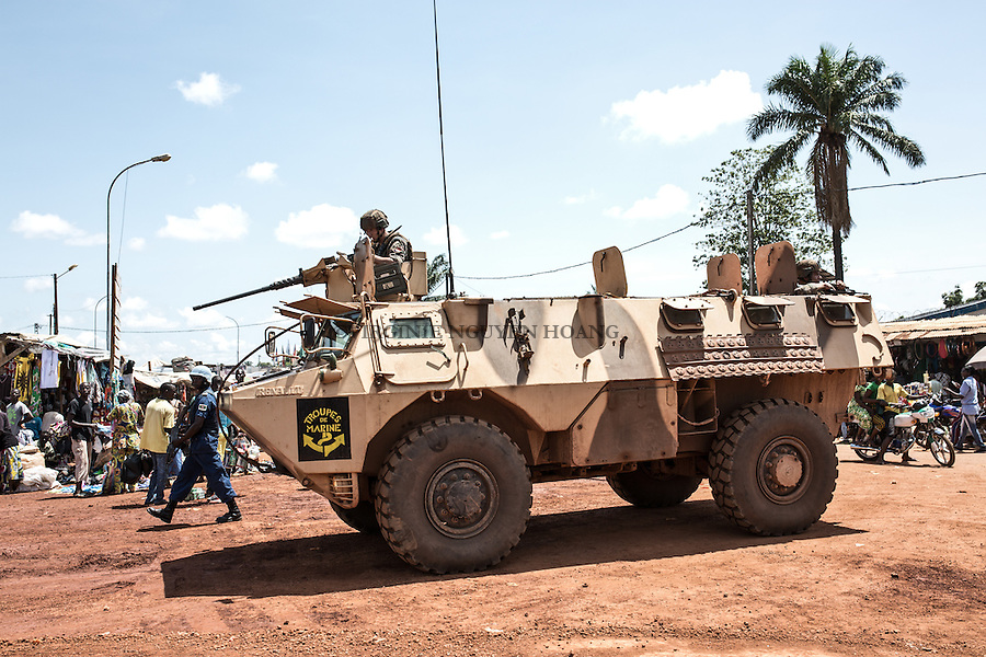 CAR, Bangui: A Sangaris convoy patroling in the PK5 neighborhood. 16 April 2016.<br /> <br /> RCA, Bangui : Un convoi Sangaris patrouillent dans le quartier PK5 . 16 Avril 2016.