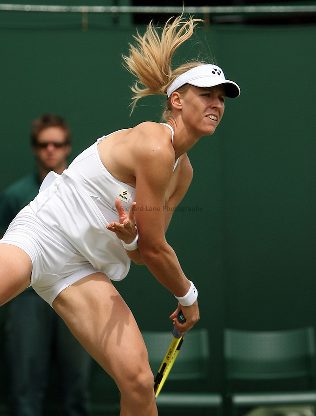 Photo: Paul Thomas..Wimbledon Championships. 27/06/2007...Elena Dementieva (RUS) during her match with Nathalie Dechy.