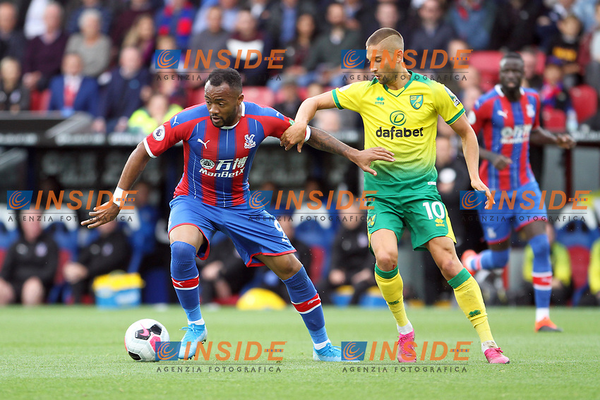 Jordan Ayew of Crystal Palace holds off Moritz Leitner of Norwich City during the Premier League match between Crystal Palace and Norwich City at Selhurst Park on September 28th 2019 in London, England. (Photo by Mick Kearns/phcimages.com)<br /> Foto PHC/Insidefoto <br /> ITALY ONLY