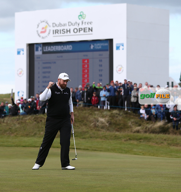 Shane Lowry (IRL) makes birdie on the 18th during Round One of the 2015 Dubai Duty Free Irish Open Hosted by The Rory Foundation at Royal County Down Golf Club, Newcastle County Down, Northern Ireland. 28/05/2015. Picture David Lloyd | www.golffile.ie