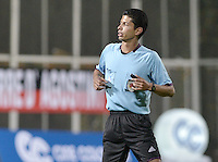 BOGOTA -COLOMBIA-01-06-2015. Lisandro Castillo, arbitro, durante el partido entre América de Cali y Real Cartagena por la fecha 16 del Torneo Aguila 2015 jugado en el Metropolitano de Techo de la ciudad de Bogotá./ Lisandro Castillo, referee, during the match between America de Cali and Real Cartagena for the 16th date of Aguila Tournament 2015 played at Metropolitano de Techo stadium in Bogota city. Photo: VizzorImage / Gabriel Aponte / Staff