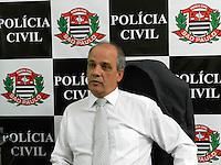 ATENÇÃO EDITOR: FOTO EMBARGADA PARA VEÍCULOS INTERNACIONAIS. SÃO PAULO - SP - 21 OUTUBRO 2012 - Dr Francisco Solano Santana -27DP aonde foi feito o B.O. da estudante Caroline Silva Lee foi morta após assalto na Rua Sabará, 318 - Consolação - ontem (20) por volta de 2:00hs. Os criminososo formam presos na Av 23 Maio. FOTO: MAURICIO CAMARGO/BRAZIL PHOTO PRESS.