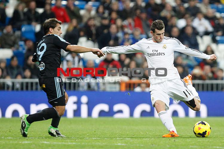 Real Madrid¬¥s Gareth Bale and Celta de Vigo¬¥s  during La Liga match in Santiago Bernabeu stadium in Madrid, Spain. January 06, 2014. Foto © nph / Victor Blanco)