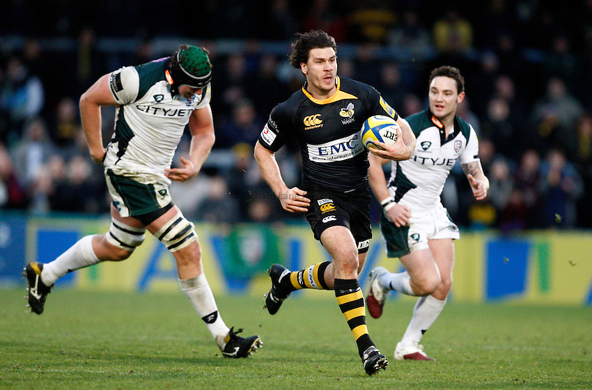 Photo: Richard Lane/Richard Lane Photography.London Wasps v London Irish. Aviva Premiership. 21/11/2010. Wasps' Ben Jacobs attacks.