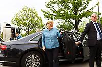 Bundeskanzlerin Angela Merkel (CDU) fährt vor - 03.05.2018: Festakt zu 350 Jahre Merck in Darmstadt mit Bundeskanzlerin Angela Merkel
