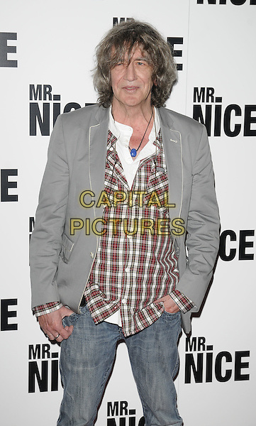 "HOWARD MARKS .Attending the ""Mr. Nice"" UK Film Premiere, Cineworld cinema, Haymarket, London, England, UK, October 4th 2010..half length jeans red plaid shirt grey gray jacket blazer.CAP/CAN.©Can Nguyen/Capital Pictures."