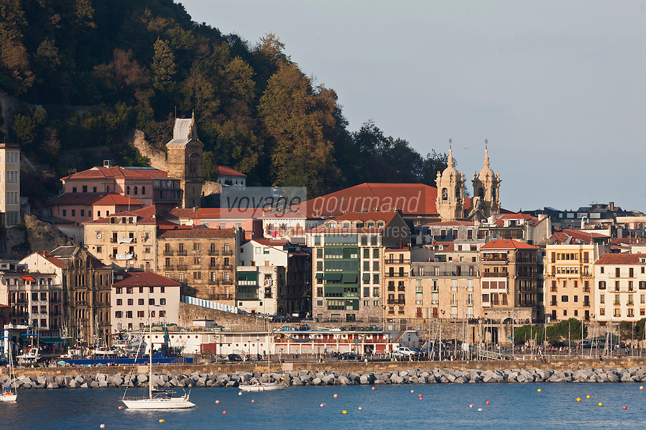 Europe/Espagne/Guipuscoa/Pays Basque/Saint-Sébastien: Le port et la Vieille ville