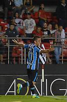 SÃO PAULO,SP, 17.11.2016 - SÃO PAULO-GRÊMIO - Ramiro do Grêmio comemora seu gol durante partida contra o São Paulo, jogo válido pela trigésima quinta rodada do Campeonato Brasileiro 2016, no estádio do Morumbi em São Paulo, nesta quinta-feira, 17. (Foto: Levi Bianco/Brazil Photo Press)