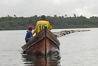 """Viagem ao município de Curralinho<br /> <br /> Curralinho é um município brasileiro do estado do Pará. Localiza-se a uma latitude 01º48'49"""" sul e a uma longitude 49º47'43"""" oeste, estando a uma altitude de 15 metros. Sua população estimada em 2016 era de 32.881 habitantes. Wikipédia<br /> <br /> Reserva Extrativista Terra Grande - Pracuúba<br /> <br /> <br /> Gentílico: Curralinhense<br /> <br /> Localização: messorregião do Marajó e microrregião dos furos de Breves.<br /> <br /> Extensão territorial: 3.604.10 Km². No espaço paraense ocupa o quadragésimo lugar em extensão territorial.<br /> <br /> Limites:<br /> <br /> Norte: São S. da Boa Vista e Breves<br /> <br /> Leste: São S. da Boa Vista e Breves<br /> <br /> Sul: Rio Pará<br /> <br /> Oeste: Breves<br /> <br /> Solo: Hidromórficos indiscriminados eutróficos e distróficos textura indiscriminada.<br /> <br /> Hidrografia: É bastante complexa representada pelo emaranhado de furos, paranás e igarapés.[SE/ESTATI].<br /> <br /> Link site IBGE<br /> http://ibge.gov.br/cidadesat/painel/historico.php?codmun=150280&search=para%7Ccurralinho%7Cinphographics:-history&lang="""
