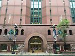 The Harold Washington Library Center, State Street, Chicago. (DePaul University/Jamie Moncrief)