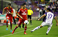 Real Valladolid´s Peña (r) and Getafe's Valera and Pablo Sarabia during La Liga match.August 31,2013. (ALTERPHOTOS/Victor Blanco)