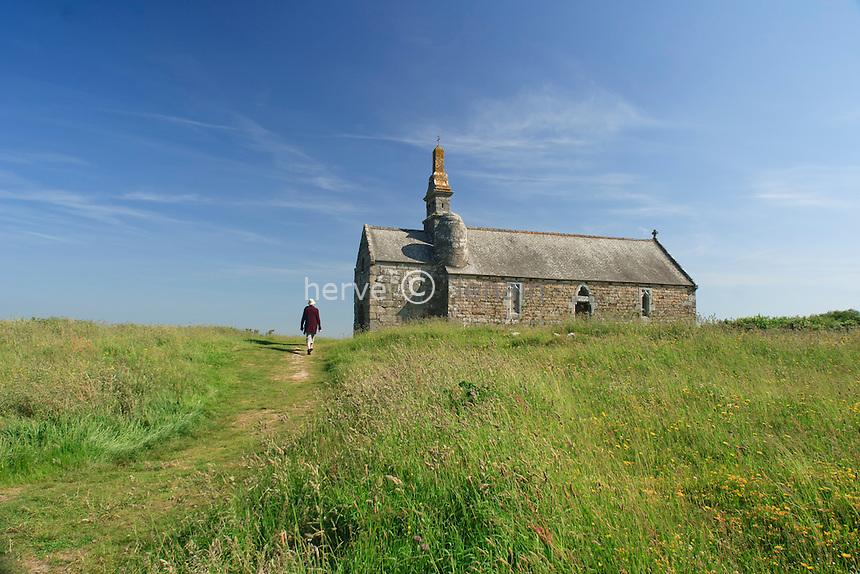 France, Côtes-d'Armor (22), sommet du Menez-Bré, la chapelle Saint-Hervé // France, Cotes-d'Armor, top of the Menez-Bre, chapel Saint-Herve