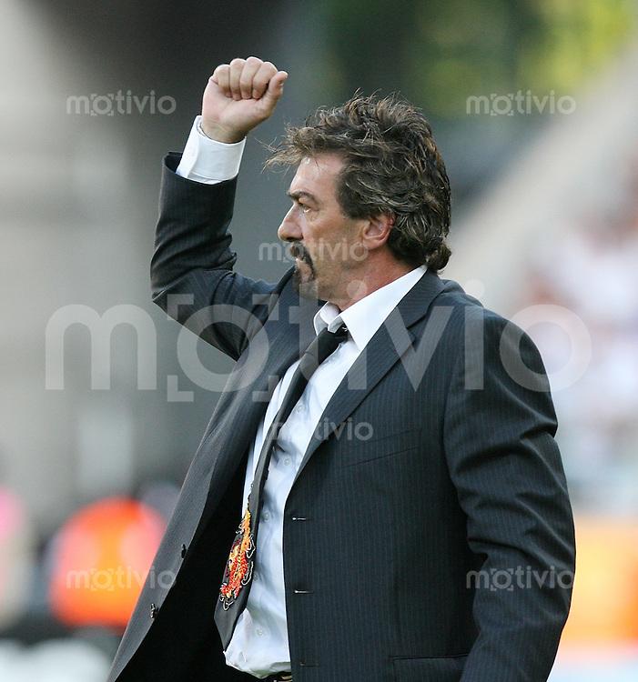 Fussball WM 2006  Gruppenspiel  Vorrunde 1  Gruppe D Mexiko 3-1 Iran JUBEL MEX Trainer Ricardo La Volpe nach dem Schlusspfiff