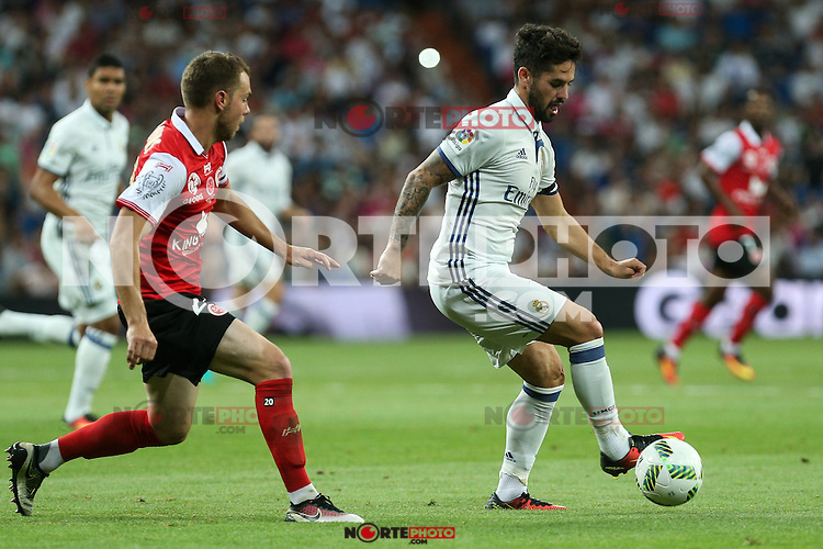 Stade de Reims's Bouhours and Real Madrid's Isco during the XXXVII Bernabeu trophy between Real Madrid and Stade de Reims at the Santiago Bernabeu Stadium. August 15, 2016. (ALTERPHOTOS/Rodrigo Jimenez) /NORTEPHOTO
