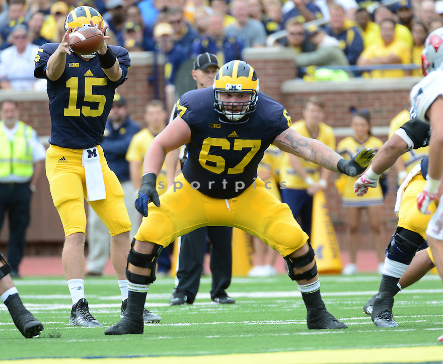 Michigan Wolverines Kyle Kalis (67) during a game against the UNLV Rebels on September 19, 2015 at Michigan Stadium in Ann Arbor, MI. Michigan beat UNLV 28-7.
