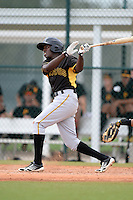 Pittsburgh Pirates outfielder Eric Thomas (7) during an Instructional League intersquad scrimmage on September 29, 2014 at the Pirate City in Bradenton, Florida.  (Mike Janes/Four Seam Images)